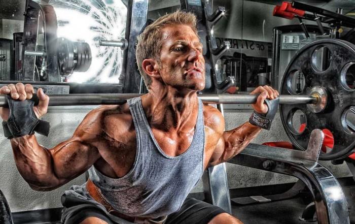 Squat : 10 cose da sapere per una corretta esecuzione